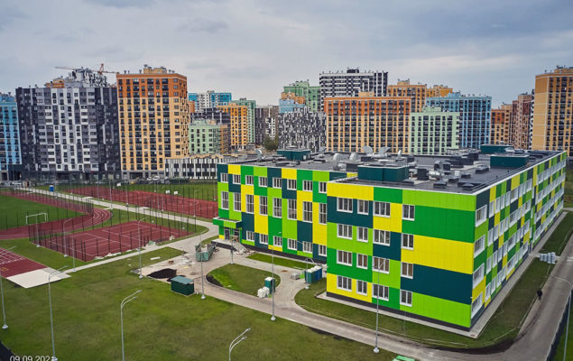 Школа - Москва, ЖК «Лучи»